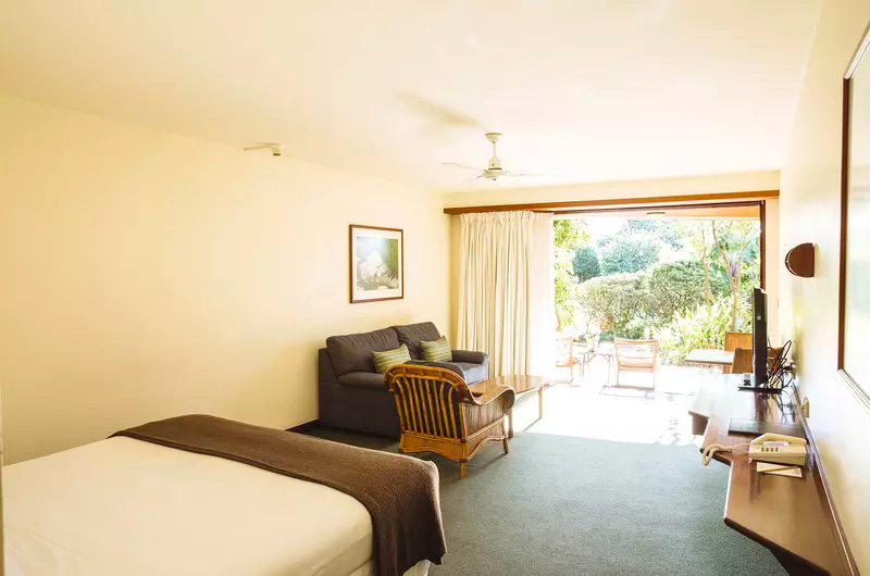 Beach Hotel Byron Bay Poolside King Suite